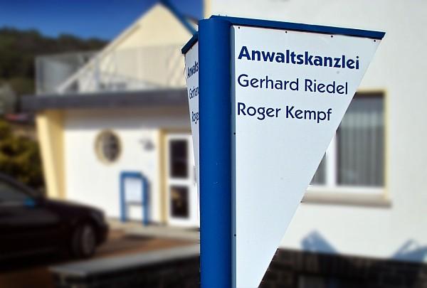 Anwaltskanzlei: Gerhard Riedel - Roger Kempf
